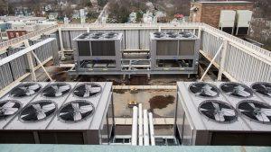 چیلرها برای ظرفیتهای بالای ۱۰ تن استفاده شده و ظرفیت خنک کنندگی بسیار بالایی دارند